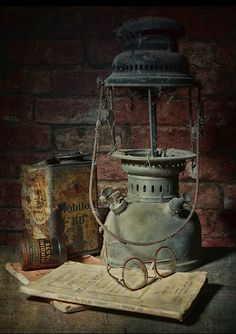 Beautiful and Handsome – Pin Old Lanterns, Vintage Lanterns, Abandoned Houses, Abandoned Places, Objets Antiques, Still Life Art, Oil Lamps, Still Life Photography, Old Photos