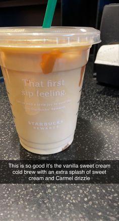 Iced Starbucks Drinks, Starbucks Rewards, Starbucks Secret Menu Drinks, How To Order Starbucks, Starbucks Coffee, Fun Drinks, Yummy Drinks, Beverages, Yummy Food