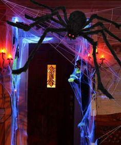 Halloween Parade, Halloween Party Costumes, Halloween Party Decor, Halloween Gifts, Halloween Themes, Halloween Door, Giant Spider, Black Spider