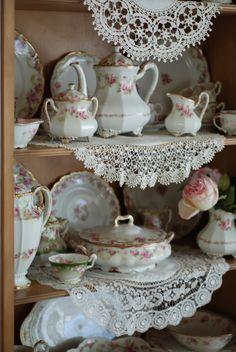 I love everything French including and most especially their beautiful Limoges china. Limoges is actually a city in France where the prod. Romantic Shabby Chic, Shabby Chic Decor, Limoges China, Victorian Lace, White Cottage, Shabby Vintage, Beautiful Homes, Hot Pink, Delicate