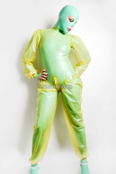 Sexy latex catsuit with skin tight body, kinky loose sleeves and loose trousers is ideal for some latex fun. Transparent Latex, Latex Hood, Rubber Doll, Heavy Rubber, Latex Catsuit, Latex Girls, Sexy Latex, Skin Tight, Leather Pants