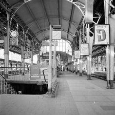 1955-1965. Gezicht op het 2e perron van het N.S.-station Utrecht C.S. (Stationsplein) te Utrecht.