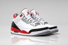 """Air Jordan 3 Retro """"Fire Red"""" <<<< exact color and style i want. please """"Santa"""". for Christmas? Air Jordan Retro, Air Jordan Iv, Air Jordan Sneakers, Retro Jordans, Nike Air Jordans, Nike Air Max, Nike Free Shoes, Running Shoes Nike, Nike Shoes"""