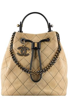 Best Women's Handbags & Bags : Chanel at Luxury & Vintage Madrid , the best online selection of Luxury Clothing Pre-loved with up to discount Chanel Handbags, Fashion Handbags, Purses And Handbags, Gucci, Fendi, Burberry, Women's Accessories, Prada, Sacs Design