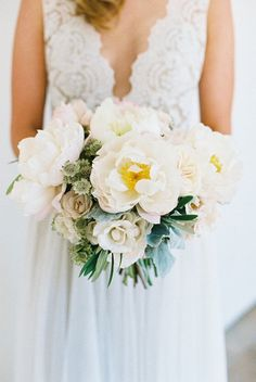 Featured photographer: Carmen Santorelli Photography; Wedding bouquet idea