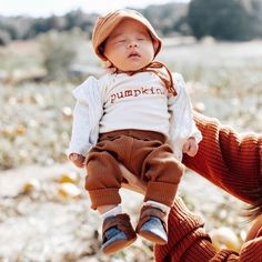 Be still, my heart. ❤ Simple, sweet and super soft, we can't wait to see all your little ones in their Fall #ootd! Baby Boy Outfits, Kids Outfits, Fall Outfits, Pumpkin Patch Outfit, Baby Boy Or Girl, Fall Baby, Organic Baby Clothes, Boho Baby, Baby Boutique