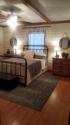 Rustic Bedroom Ideas - If you want to go to rest in rustic posh then this article is perfect for you. We have actually gathered a lot of rustic bedroom design ideas you might make use of. Farmhouse Master Bedroom, Home Bedroom, Ivory Bedroom, Country Bedrooms, Rustic Bedrooms, Bedroom Apartment, Cottage Bedroom Decor, Log Cabin Bedrooms, French Cottage Decor
