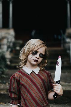 Keep it creepy! Dark Art Photography, Portrait Photography, Creepy Kids, Dark Portrait, Creepy Vintage, Halloween Photography, Grand Rapids Michigan, Dark Pictures, Angel Art