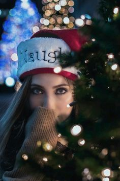 Baby Christmas Photos, Xmas Photos, Christmas Portraits, Winter Photos, Christmas Fashion, Christmas Themes, Christmas Lights Photoshoot, Creative Photography, Photography Poses