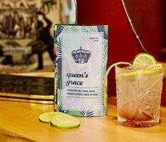 Θα μπορούσαμε να γράψουμε μυθιστόρημα με αυτόν τον τίτλο ή ακόμα και ένα θεατρικό έργο, προτιμήσαμε όμως να δημιουργήσουμε το #queensgrace ένα #cocktail με ιδιαίτερο και εκκεντρικό γευστικό προφίλ. Εσύ είσαι έτοιμος να ζητήσεις τη χάρη της βασίλισσας;