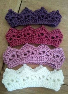 http://thumbs3.picclick.com/d/w500/pict/370843627094_/ROMANY-HAND-CROCHET-CROWN-TIARA-HEADBAND-NEWBORN-PHOTO-PROP.jpg