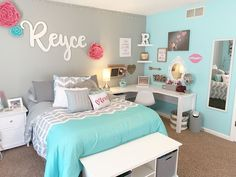 Girls Room Decor Ideas to Change The Feel of The Room Here are 31 girls room decor ideas ideas for teenage girls' rooms. Teenage girls' room decorating ideas generally differ from those of boys. - Girls bedroom ideas for small rooms Teenage Girl Bedroom Decor, Cute Bedroom Ideas, Cute Room Decor, Room Ideas Bedroom, Small Room Bedroom, Teal Teen Bedrooms, Preteen Girls Rooms, Teen Bedroom Colors, Girls Bedroom Ideas Teenagers