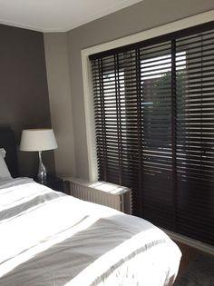 Raamdecoratie slaapkamer Hilversum - De Huiskamer Room Design, Home, Apartment Interior, Home Bedroom, Room Inspiration, Bedroom Inspirations, Home Deco, Interior Design, New Room