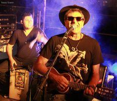 """♥ Evandro Mesquita e a Banda """"The Fabulous Tab"""" na Primeira Edição do """"Festival da Lua Cheia"""" ♥ RJ ♥  http://paulabarrozo.blogspot.com.br/2015/03/evandro-mesquita-e-banda-fabulous-tab.html"""