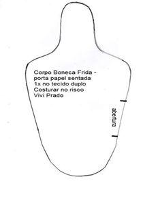 Depois de assistir aos vídeos da Professora Vivi Prado ensinando fazer a boneca porta-papel higiênico, para decorar banheiro, testei...