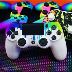 Cool Ps4 Controllers, Ps4 Controller Custom, Game Controller, Video Game Rooms, Video Games, Custom Consoles, Game Wallpaper Iphone, Mundo Dos Games, Best Gaming Wallpapers