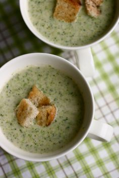Broccoli & coconut soup    1 onion,1 broccoli inflorescences, 3 ml vegetable,1 can white beans, 1 can coconut milk, Croutons   1) Chop the onion and fry it in olive oil the bottom of the boiler for a few minutes.   2) Add broccoli & vegetable broth & cook until the parskaali has softened  3) Add the beans & some coconut milk. Puree the soup with a hand blender  4) Let the soup boil and add more coconut milk if necessary, until the soup is suitably thick