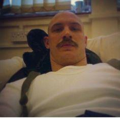 Relaxing with Bronson Pretty Men, Beautiful Men, Hello Gorgeous, Tom Hardy Baby, Tom Hardy Bronson, Tom Tom Club, Tom Hardy Photos, Taylor Kitsch, Karl Urban