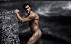 VANCOUVER - Ryan Kesler is used to stirring things up on the ice.Now the Vancouver Canucks centre has caused a stir in the NHL team's dressing room by posing nude for ESPN the Magazine's The Body Issu. Ryan Kesler, Tyler Seguin, Body Issues, Vancouver Canucks, Anaheim Ducks, Hommes Sexy, Raining Men, Hockey Players, Caps Hockey