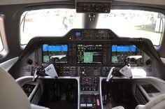 Embraer Phenom 300.