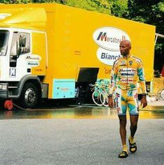 1998 #MarcoPantani Bicycle Race, Old Bikes, Pro Cycling, Road Racing, Personal Trainer, Old School, Sport, Cool Stuff, Icons