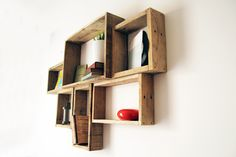 DEVA gross palette wooden wall shelf by YvaRDesigN on Etsy Wooden Wall Shelves, Pallet Shelves, Floating Shelves, Barn Board Projects, Diy Pallet Projects, Furniture Quotes, Home Decor Furniture, Pallet Creative Ideas, Contemporary Shelving