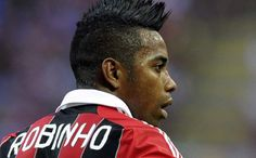 Santos have revealed they have spoken to AC Milan forward Robinho about a proposed move back to Brazil.  http://www.acmilanextra.com/category/ac-milan-news/