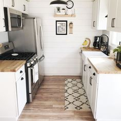 13 Small Kitchen Design Ideas & Organization Tips Small Galley Kitchens, Small Kitchen Layouts, Small Kitchen Organization, Home Kitchens, Organization Ideas, Small Space Kitchen, Small Kitchen Renovations, Very Small Kitchen Design, Small Kitchen Storage