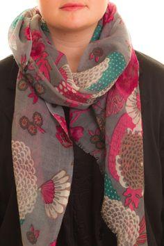 Floral Grey-Pink Wool Scarf