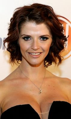 Lots of celebrities these days sport short curly hair styles, but some of them really stand out. When we think of curly short hair, the image of AnnaLynne Short Curly Hairstyles For Women, Short Hairstyles For Thick Hair, Short Wavy Hair, Short Hair Cuts For Women, Cool Hairstyles, Short Haircuts, Layered Hairstyles, Wavy Curls, Hairstyle Ideas