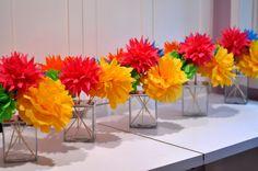 Flirty Fiesta Paper Flower Bouquet {Centerpiece Ideas} for Cinco de Mayo. Paper Flower Centerpieces, Tissue Paper Flowers, Centerpiece Ideas, Paper Poms, Simple Centerpieces, Mexican Paper Flowers, Flower Arrangements, Tissue Poms, Mexican Fiesta Party
