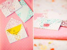 doili valentin, envelopes, paper doilies, doili craft, craft idea