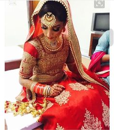 Indian bridal looks: punjabi bride Desi Bride, Sikh Bride, Punjabi Bride, Sikh Wedding, Indian Wedding Outfits, Bridal Outfits, Bridal Dresses, Bride Indian, Indian Groom