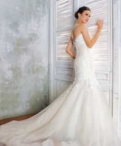 Luccia (6) Designer Wedding Gowns, Designer Gowns, Alfred Angelo, Plus Size Designers, Crystal Beads, Veil, High Fashion, Bride, Lace