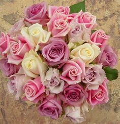 Pink roses wedding flowers http://weddingflowersideas.blogspot.com/2014/05/pink-roses-wedding-flowers.html