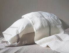 Linen SHEET SET in off-white with contrasting flax linen trim - softened linen top sheet, fitted sheet, 2 pillowcases - luxury linen bedding Cheap Bedding Sets, Bedding Sets Online, Affordable Bedding, Linen Bed Sheets, Linen Bedding, Bed Linens, Luxury Duvet Covers, Luxury Bedding Sets, Bed Linen Australia