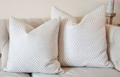 Colefax and Fowler BERTRAM Fabric in Silver. This is a timeless High End Light Silver woven pillow cover! *Front Fabric: Woven Silver and White