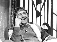 """Henk Elsink; wat heb ik om die man altijd moeten lachen! """"Harm met het harpje""""; ik vergeet 't nooit. Hij is inmiddels 80!"""