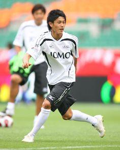 2年連続出場の内田選手(鹿島)は今年も最年少。偉大な先輩達との練習に表情はじつに楽しげだ。●2007JOMOオールスターサッカー2007年8月4日(土…