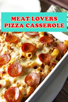 MEAT LOVERS PIZZA CASSEROLE I wake up at 6 a. Does that manifest to you too? Pizza Casserole, Chicken Casserole, Casserole Dishes, Casserole Recipes, Italian Casserole, Gourmet Recipes, Crockpot Recipes, Cooking Recipes, Healthy Recipes