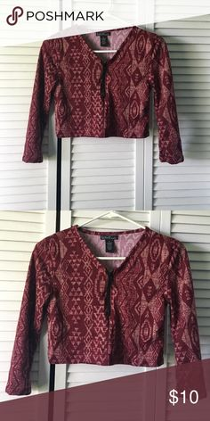 Printed zip crop top Brand new printed front zip crop top size M super cute with your favorite high waisted skirt or pant ! Tops Crop Tops