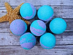 This batch of Island Coconut JUMBO bath bombs have a little oopsie. Some are a flat on one side, some have a little crack, some have little dings and dents. They still work great and smell amazing. Th