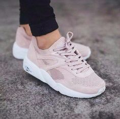 Pumas Shoes, Shoes Sneakers, Cute Shoes, Nike Shoes Outlet, Sports Shoes, Shoe  Collection, Puma Basket, Shoe Game, Rose Pale