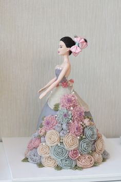 Barbie flower cake