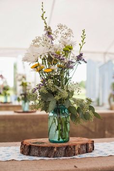 Rustic hipster, boho chic wedding  |  The Frosted Petticoat #flowerpower