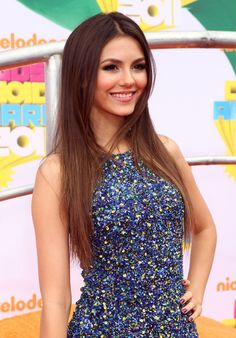 victoria justice. gorgeous woman. beautiful dress.