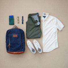 Spring is in the air with a short sleeve shirt, backpack and low top sneakers! #spring2018 #backpack #shortsleeve