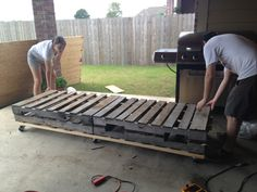 First things first: PALLET FURNITURE!! Part uno | The Sweet Life