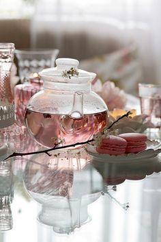 Herbal tea over coffee any day Aesthetic Food, Pink Aesthetic, Glace Fruit, Pause Café, Tea Art, My Cup Of Tea, Jolie Photo, Herbal Tea, Tea Recipes