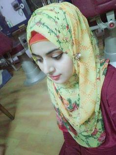 Dpz for girls Hijabi Girl, Girl Hijab, Beautiful Muslim Women, Beautiful Hijab, Preety Girls, Cute Girls, Smart Girls, Muslim Girls Photos, Iraqi Women